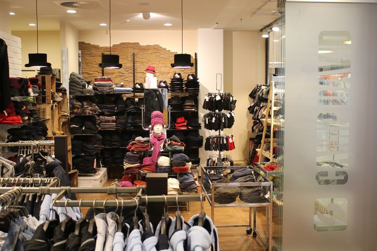 Hut-Breiter und Camp David Store Einkaufs-Center Neuperlach PEP