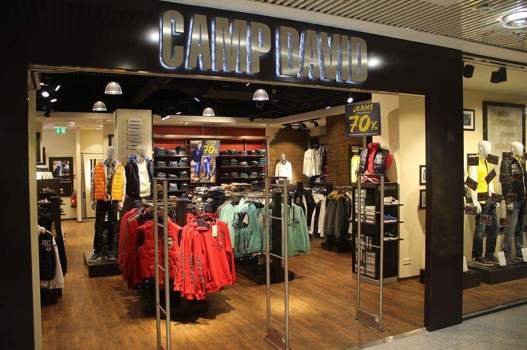 b18f7610745307 Olympia Einkaufszentrum Camp David